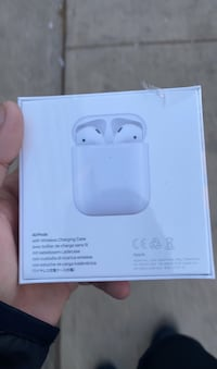 Air pods second gen seald in box