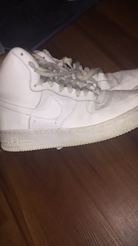 White air force ones size 7 in men Washington, 20020