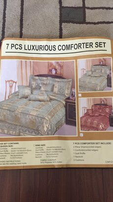 7 piece bed in a bag set.