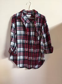 Large size Aritzia shirt Port Coquitlam