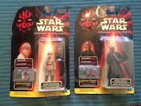two Star Wars figurines with pack