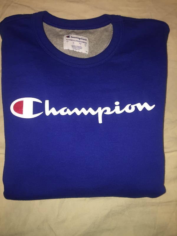 Blue Champion Sweatshirt Large 5be0406f-4221-48ee-9ac7-76a483773c26