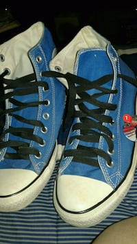 blue-and-black low-top sneakers Haverhill, 01830