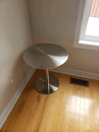 Metal table for sale  Newmarket, L3X 2W8