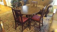Dining table(expandable)- Antique style.   Must go Eden Prairie, 55344