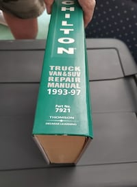 Chilton's Truck and Van Repair Manual, 1993-97 - Perennial Edition (7921)  Victorville
