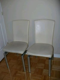 White Leather Chairs Pointe-Claire