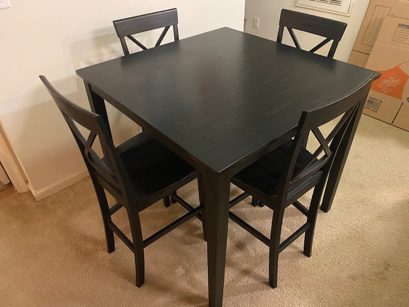 High Top/Counter Height Dining Table and Chairs 3e7695bc-9f2c-487a-810a-c7c6b007e005