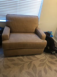 Couch and love seat Virginia Beach, 23462