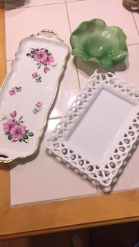 white and pink floral photo frame Montreal