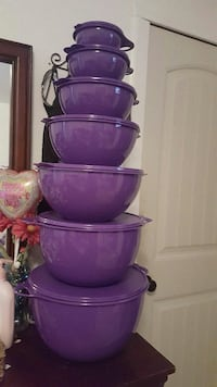 purple and pink plastic containers Thermal, 92274