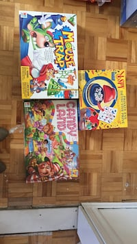 three assorted Marvel comic books Montreal, H3K 2H6