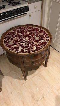 Antique Round brown wooden side table New York, 10308