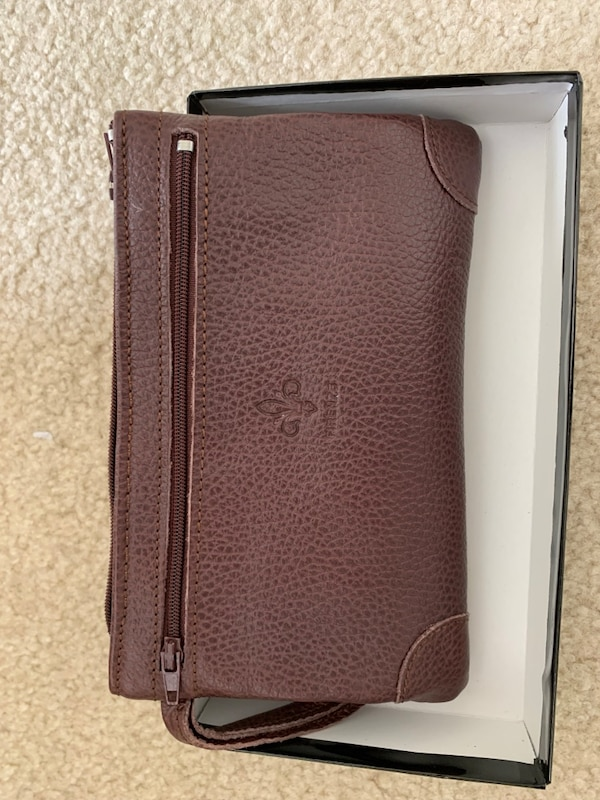 Wallet/Pouch ffbfed9b-59ed-4f27-bfd0-13d4ab580e72