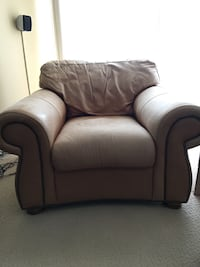 SHOFER'S LEATHER CHAIR & CLEANING KIT! Baltimore, 21212