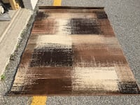 """AJ - Area Rug Used For Staging in Good Condition - 5'2"""" x 7'41"""" Mississauga"""