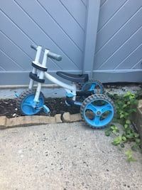toddler's white and blue trike Reston, 20194