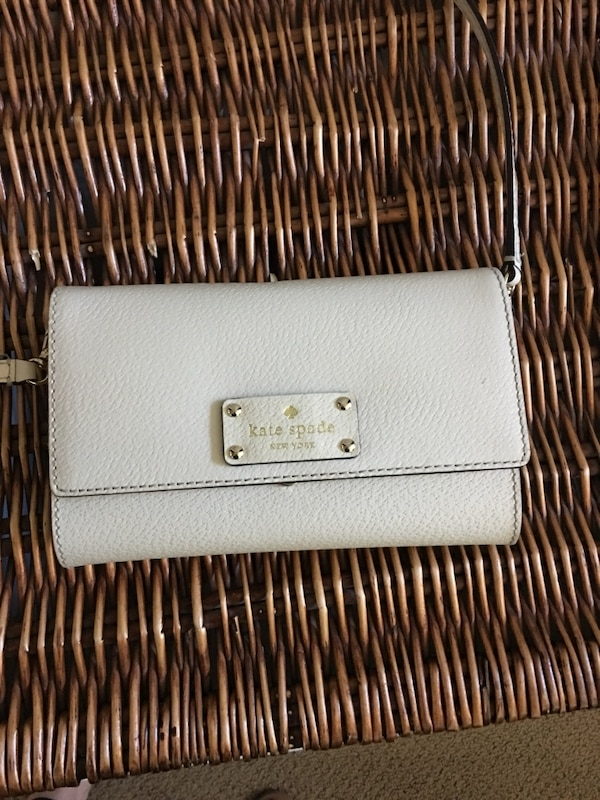 b534f5ff6b34 Used Kate Spade cross body bag for sale in Rohnert Park - letgo