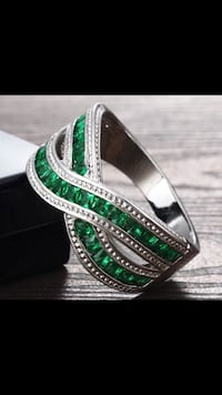 Woman's Stunning Brand New Green Emerald And WHiTE Sapphire Baguettes 925 Sterling Solid Silver Wedding Anniversary Band Size 6  Peoria, 85382