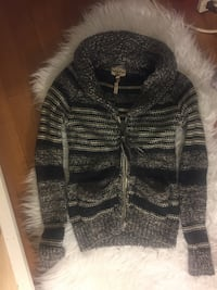 Wilfred Merino Wool Sweater Vancouver, V6E 2Y1