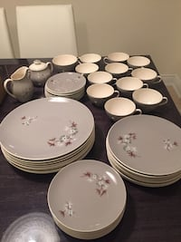 Royal dalton dinner set 8 sitting