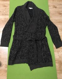 Sweater cardigan  Winnipeg, R3N