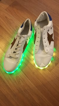 Female shoes, size 10 with lights Dallas, 75231
