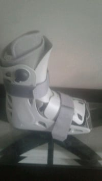 Aircast boot size 9 Kitchener, N2K 4J7
