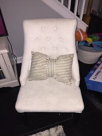 white and gray fabric sofa chair Nashville, 37214