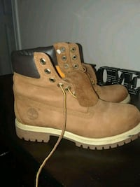 Timberland boots. Size 7 missing insoles  527 km