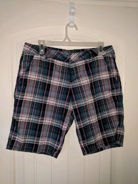 Roots shorts for Women size 8/10 Calgary, T2Z 4Y8