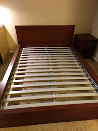 Full-sized platform bed with slats Alexandria