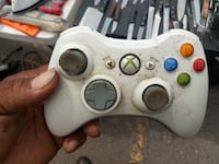 white Xbox 360 wireless controller Detroit, 48238