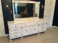 Dresser w/mirror with two matching end tables Alexandria, 22309