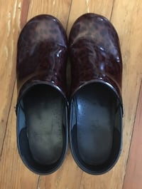 Dansko Size 42 Clogs Lynchburg 24550