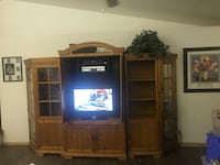 5 piece tv entertainment center. Fits 32 in TV (not included) price negotiable  Lancaster, 93536