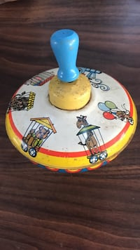 Vintage tin toy spin top Yucaipa, 92399