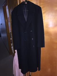 Men's Black Topcoat  46 mi