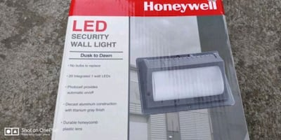 Wall pack light fixture