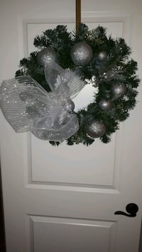 Silver Shimmering Wreath Niagara-on-the-Lake