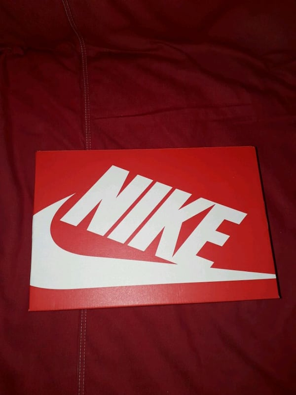 Nike Airmax 90 essential size 42.5 only serious buyer ba54d852-5f67-47d3-8597-c6932e6b1997
