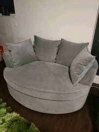 Like new loveseat couch