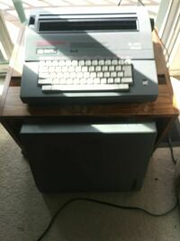 Corona SL480 Electric Typewriter Like New!