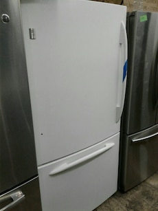 Top and bottom refrigerator good condition very