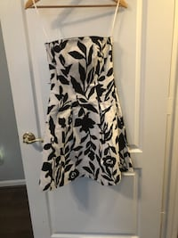 Black and white casual dress with pockets Alexandria, 22315