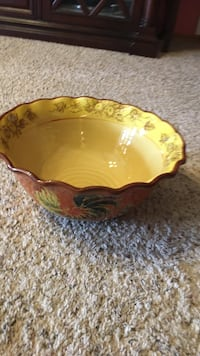 brown and green ceramic bowl Lubbock, 79424