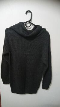 black sweater Lynnwood, 98036