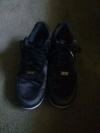 pair of black Vans low top sneakers Columbus, 43229