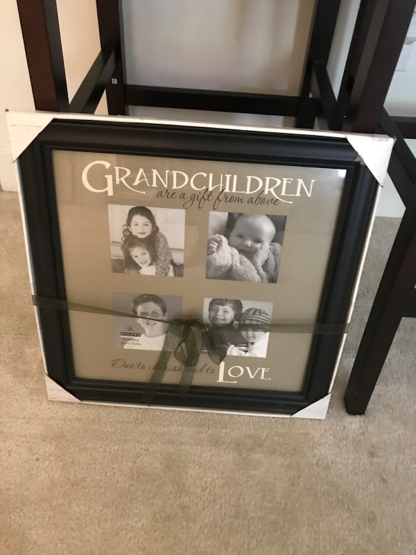 Grandchildren solid wood photo frame 062ed666-a353-4702-8f71-18f22ea20aa4