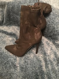 Ladies high heel boot